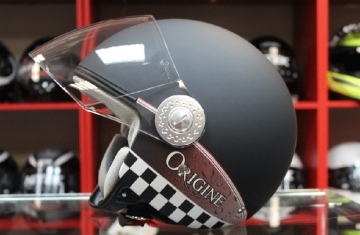Фотографии итальянских шлемов Origine в 3D формате для компании «САН-МОТО»